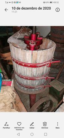 Prensa do vinho de pequenas dimensões