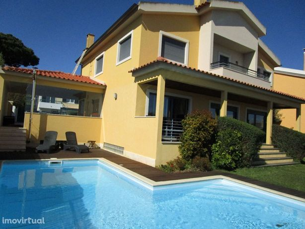 Moradia Isolada T4 com piscina - S. João do Estoril
