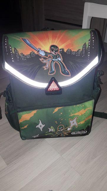 Plecak szkolny dla chłopca.