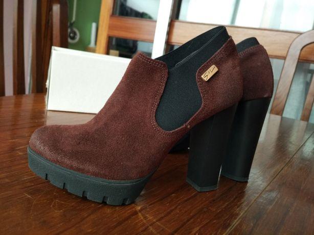Sapatos novos 35 / 36
