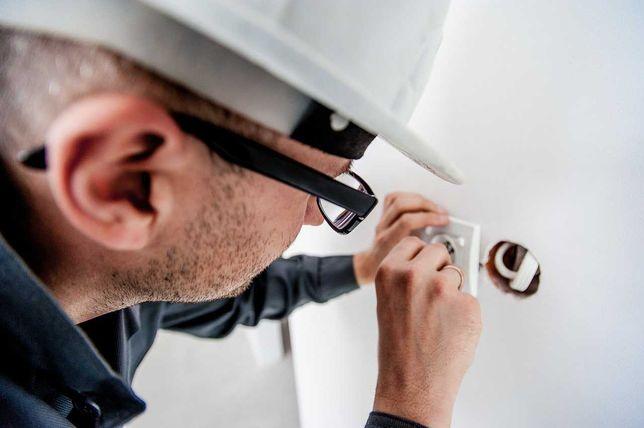 Manutenção em habitações de serviços elétricos