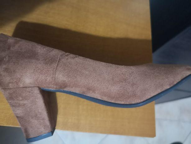 Sapato Castanho Novo