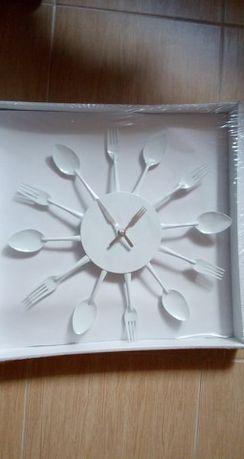 zegar łyżki widelce
