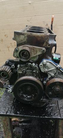 Двигатель блок 1,9D F8Q Рено кенго, меган, клио, лагуна, сценик
