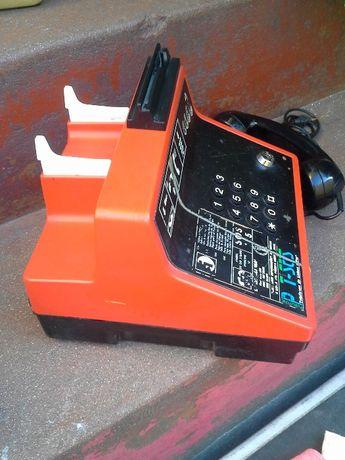 cabine de moedas telefóniva T6 em vermelho.
