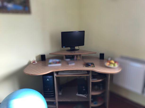 Продаю компютерний стіл