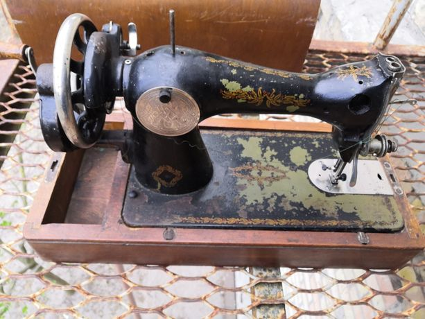 Машинка для шиття/ Швейна машина