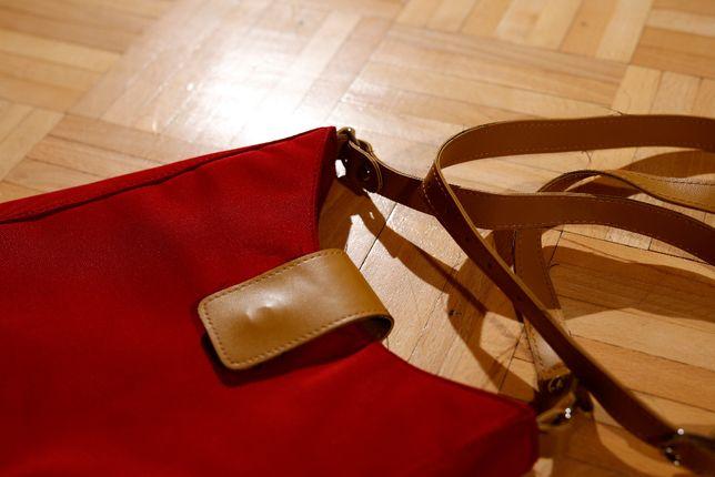 Czerwono-musztardowa torebka na ramię