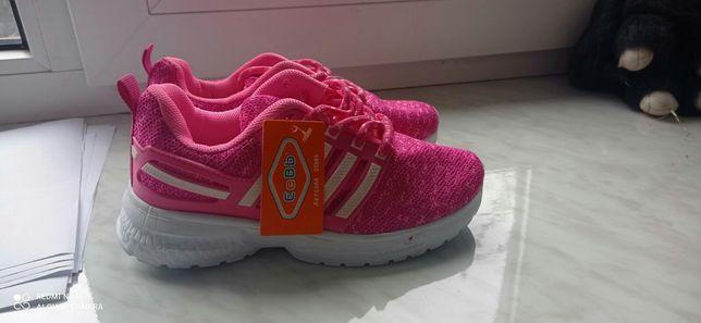 Кросівки нові на дівчинку