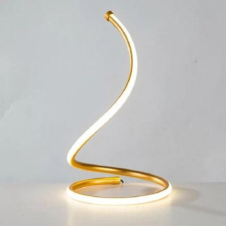 Настольная лампа в нордическом стиле