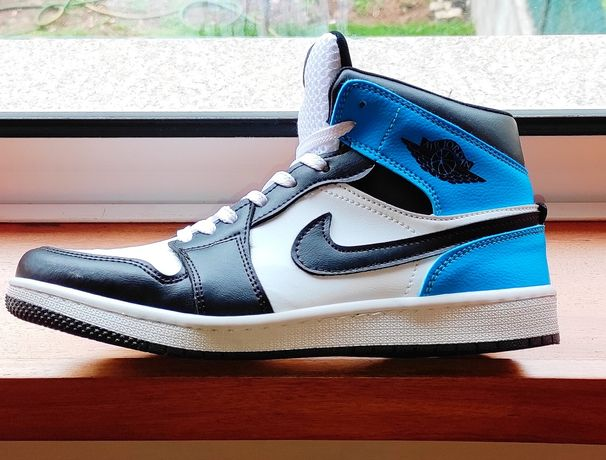 Nike Jordan  mid1
