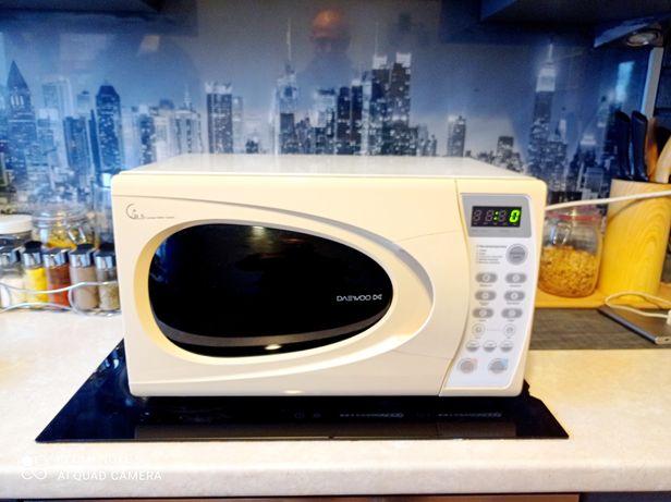Mikrofalówka LCD funkcją rozmrażania