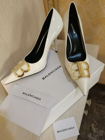 Туфли лодочки белые Balenciaga