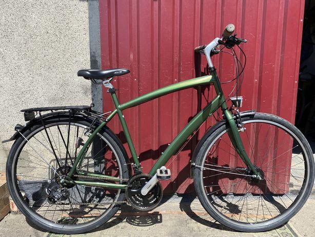 Велосипед з Німеччини , 28 колеса , генератор , висока рама