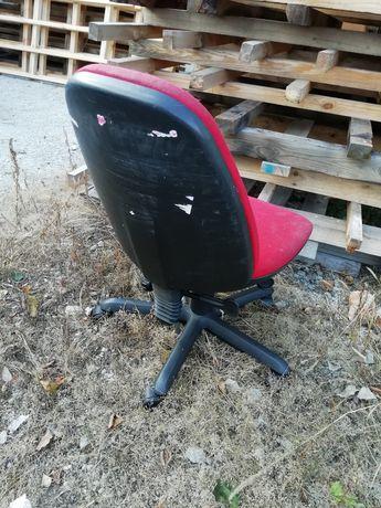Oddam gratis krzesło obrotowe