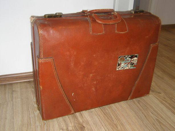 Stara waliza kufer
