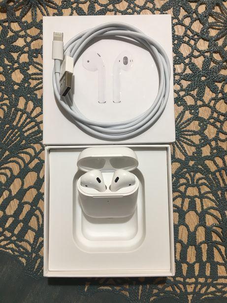Apple airpods 2 оригинал идеальное состояние
