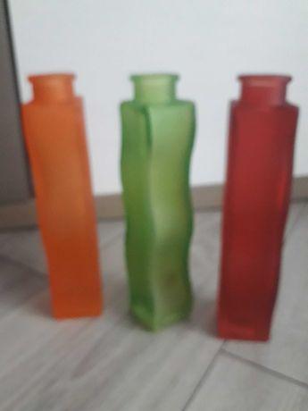 Kolorowe butelki flakony
