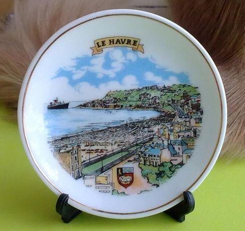 Тарелка сувенирная коллекционная