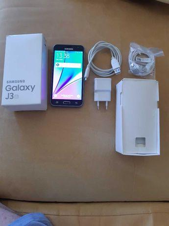 Samsung Galaxy J3 . 2016