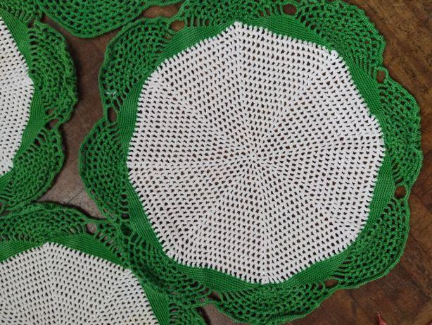 Naperons em renda de crochet redondos (4)