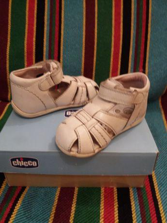 Sandálias para criança