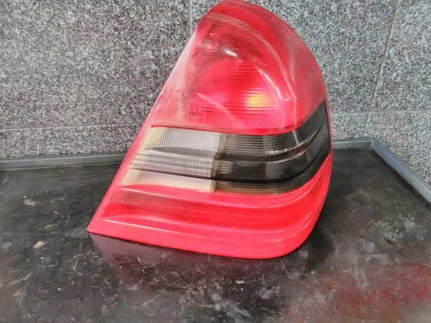 Farolim Stop Direito Mercedes Classe C - W202