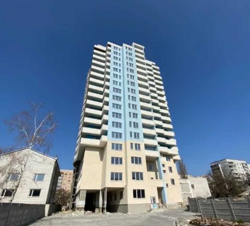 Продам 1 комнатную квартиру в центре  города в новом доме