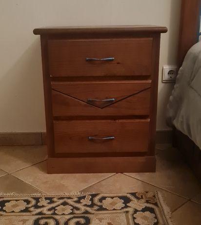 Quarto de casal - móveis em madeira
