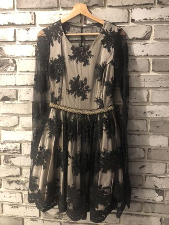 Koronkowa sukienka czarna