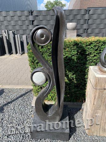 Abstrakcja rzeźba z Afrykańskiego Kamienia do salonu ogrodu. H130cm