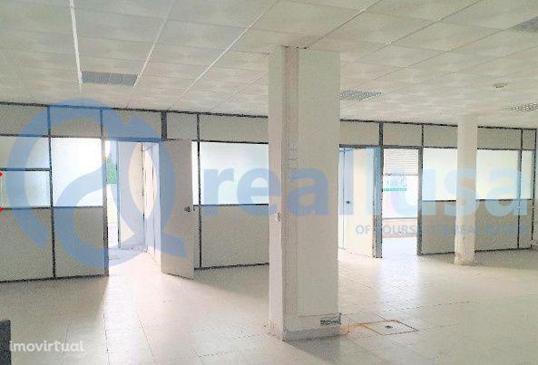 Loja ampla c/ arrecadação 125m2 Aradas, Aveiro, Excelentes condições d