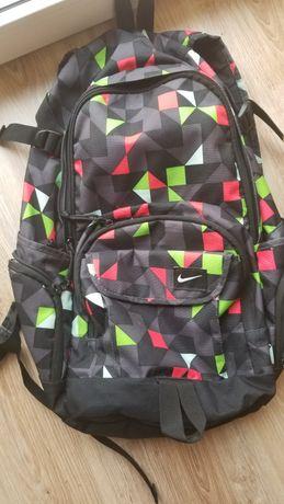 Pakowny plecak Nike na wycieczkę, do miasta, na basen i do szkoly