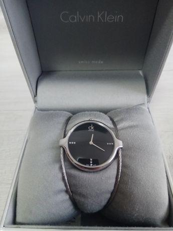 часы Calvin Klein  c бриллиантами
