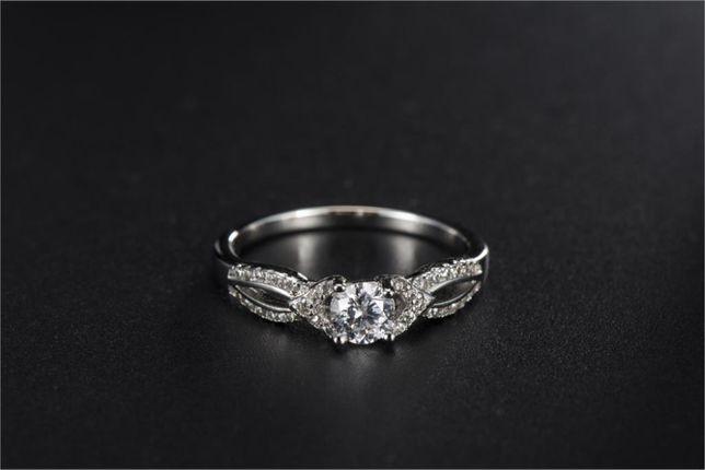 Nowy pierścionek srebrny kolor białe cyrkonie cyrkonia retro