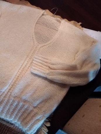 Sweterek moherowy ecru