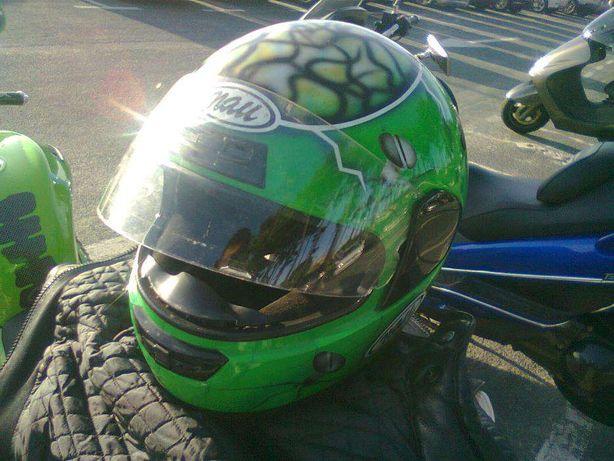 capacete verdeKAWASAKI