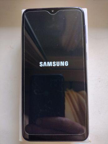 Телефон Samsung m10