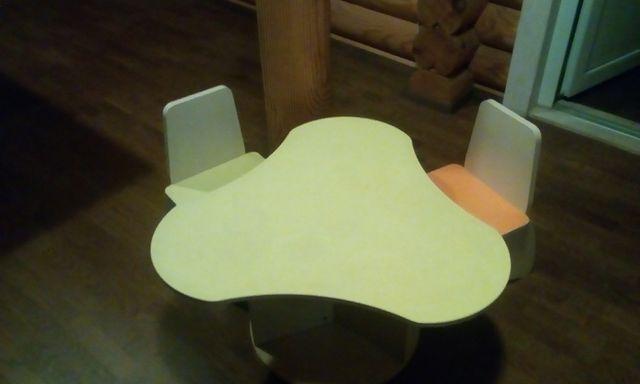 Детская мебель:стол+2стула,сборно-разборная+подарок(2 стульчика)