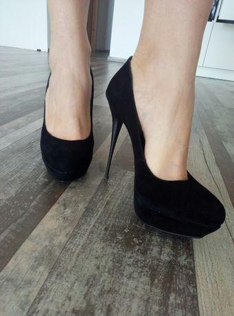 Жіночі туфлі Baskoni