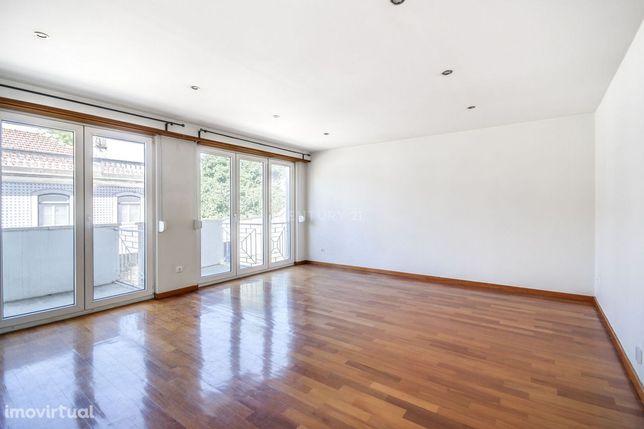 Excelente apartamento T2 junto a Sete Rios/São Domingos de Benfica
