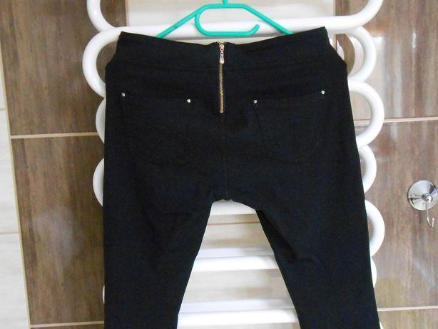 czarne spodnie z lykrą BDB!