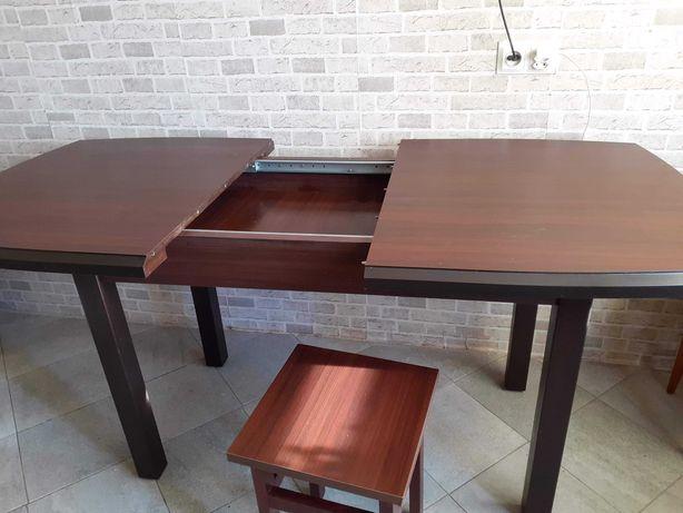 Rozkladamy stół do jadalni