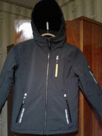 Весенняя куртка для мальчика, на 7 - 9 лет