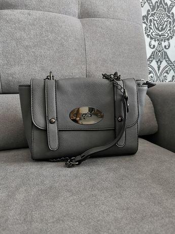 Szara torebka na ramię