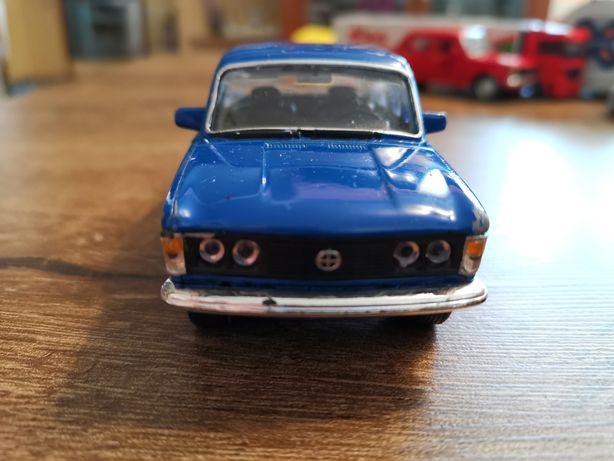 Fiat 125p niebieski resorak autko Welly
