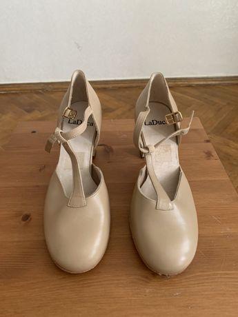 Продам танцевальные туфли LA DUCA