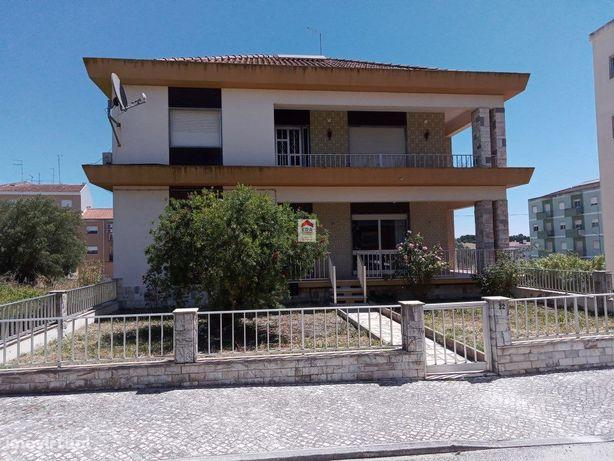 Moradia T4 Duplex Venda Cartaxo