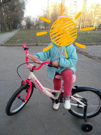 Велосипед  для девочки. Диаметр колёс 18.