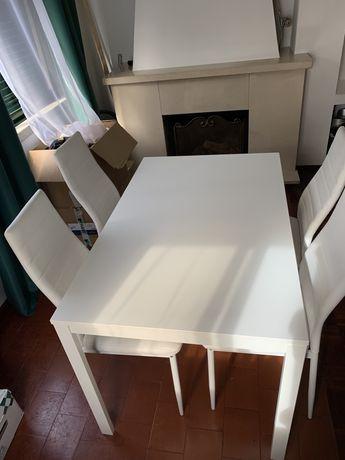 Mesa Extensivel IKEA + 4 cadeiras